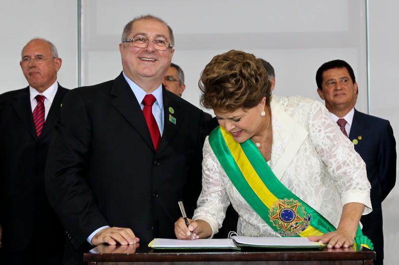 O Ministro das Comunicações, Paulo Bernardo, e a presidenta Dilma Rousseff