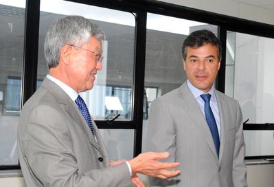 Presidente do Conselho de Administração da Celepar, Cassio Taniguchi, e Beto Rixa