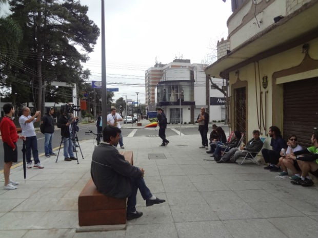 Movimenro foi organizado pela internet, mas poucos compareceram (Foto: Adriana Justi / G1)