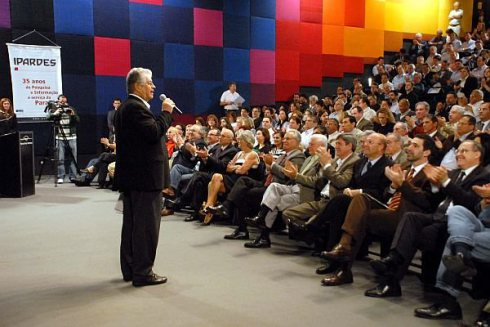 Toda terça-feira Requião abria diálogo com a população