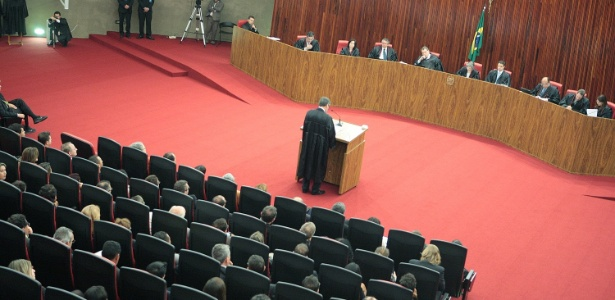 3out2013---tse-tribunal-superior-eleitoral-durante-sessao-que-analisa-a-criacao-da-rede-partido-da-ex-senadora-marina-silva-1380844933075_615x300