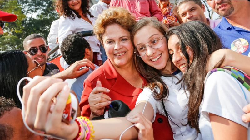 Os jovens estão estudando mais e se informando sobre o quanto o Brasil melhorou com Lula e Dilma