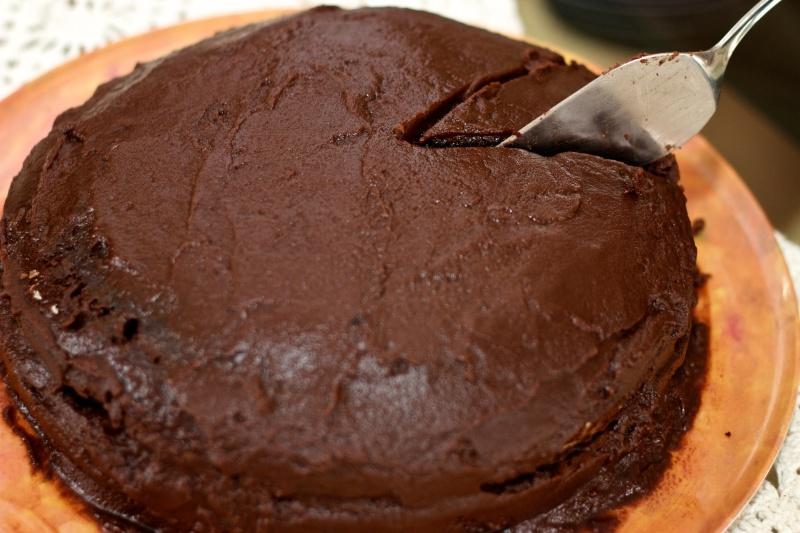 bolo_chocolate_faca