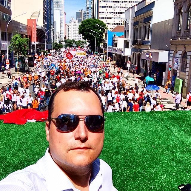 Tarso cabral Violi, o autor do Blog do Tarso, apoia as manifestações dos professores