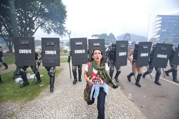 Resultado de imagem para fotos da professora angela massacre 29 de abril