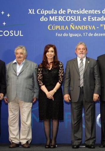 Resultado de imagem para Lula, Cristina Kirchner e Mujica América do Sul