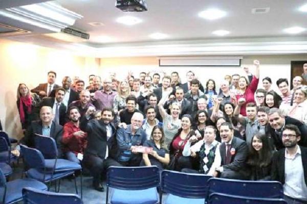 Advogados paranaenses que votaram em Dilma no 2º Turno em 2014 e agora querem que seus votos sejam respeitados
